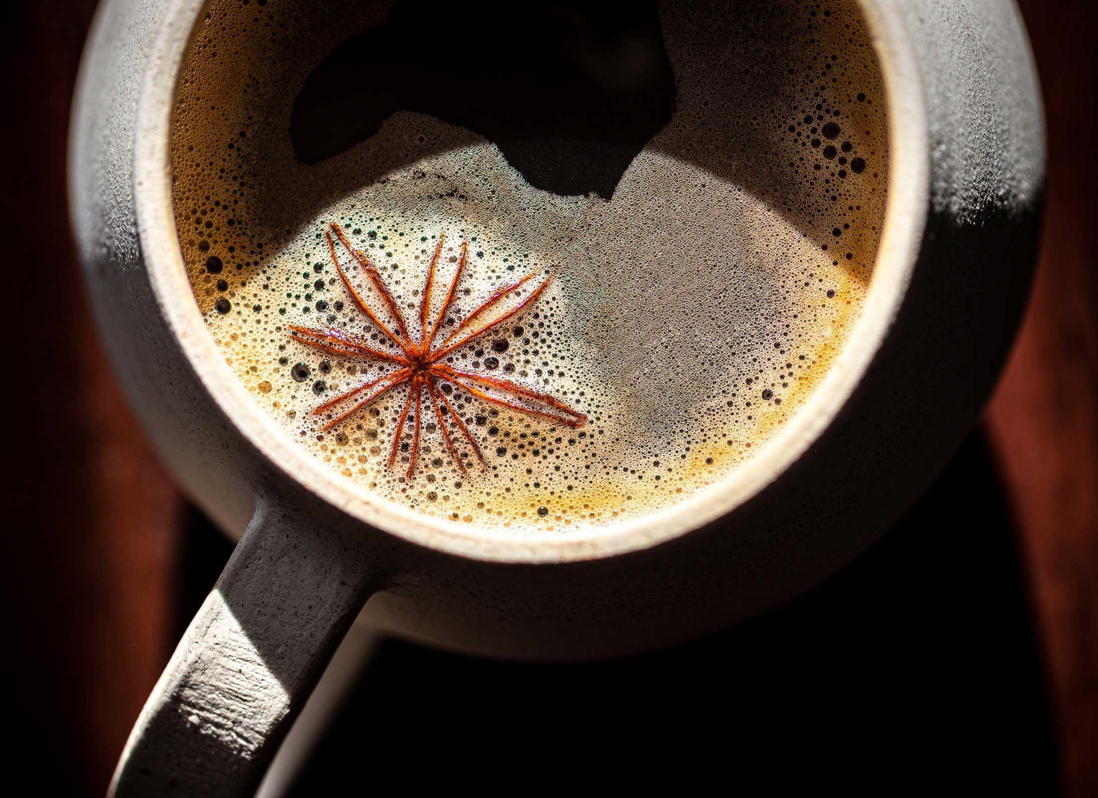 cafe-olla-taza-estudio-como