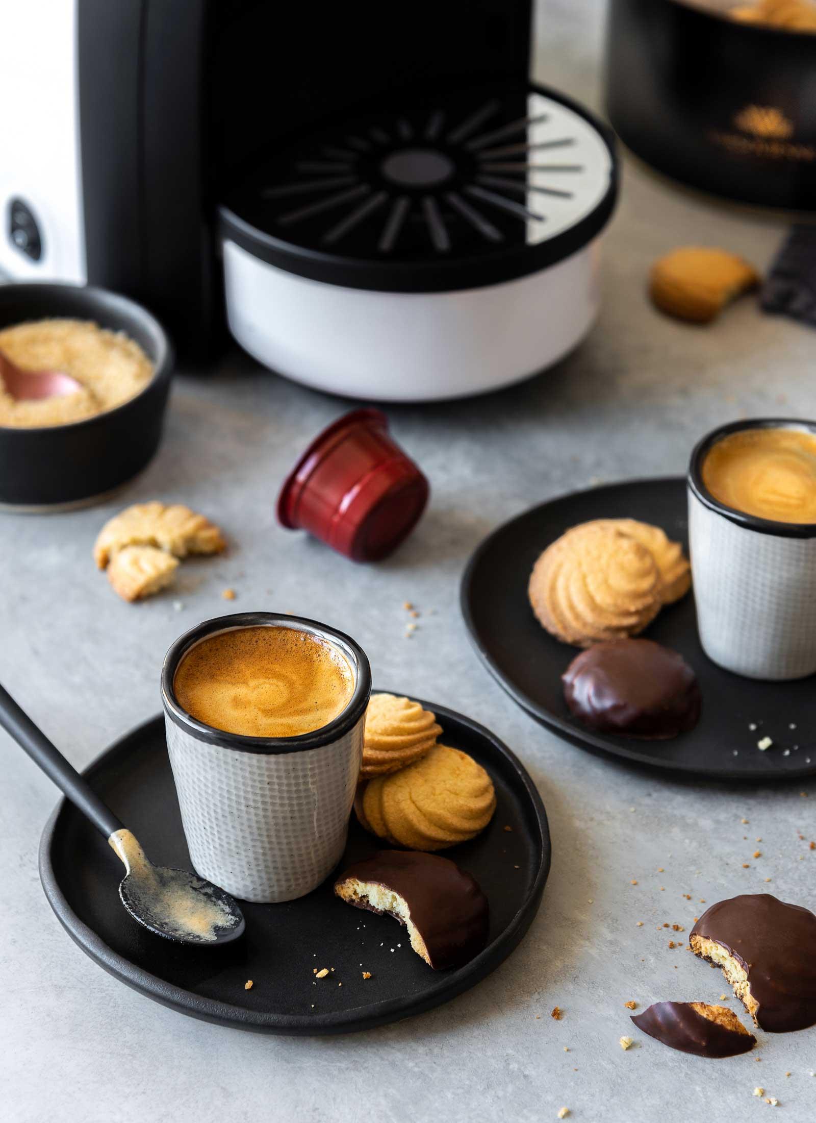 cafeteras-expresso-galletas-varsovienne-estudio-como