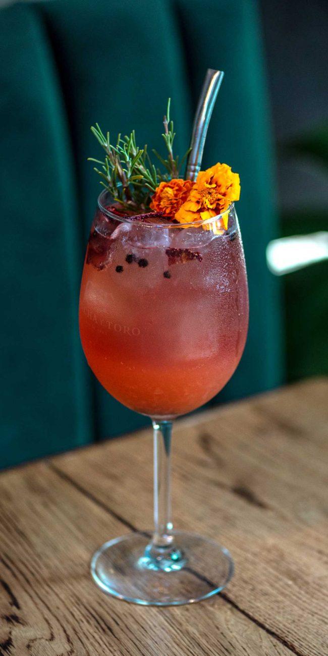 cocktail-rojo-verde-sazon-estudio-como