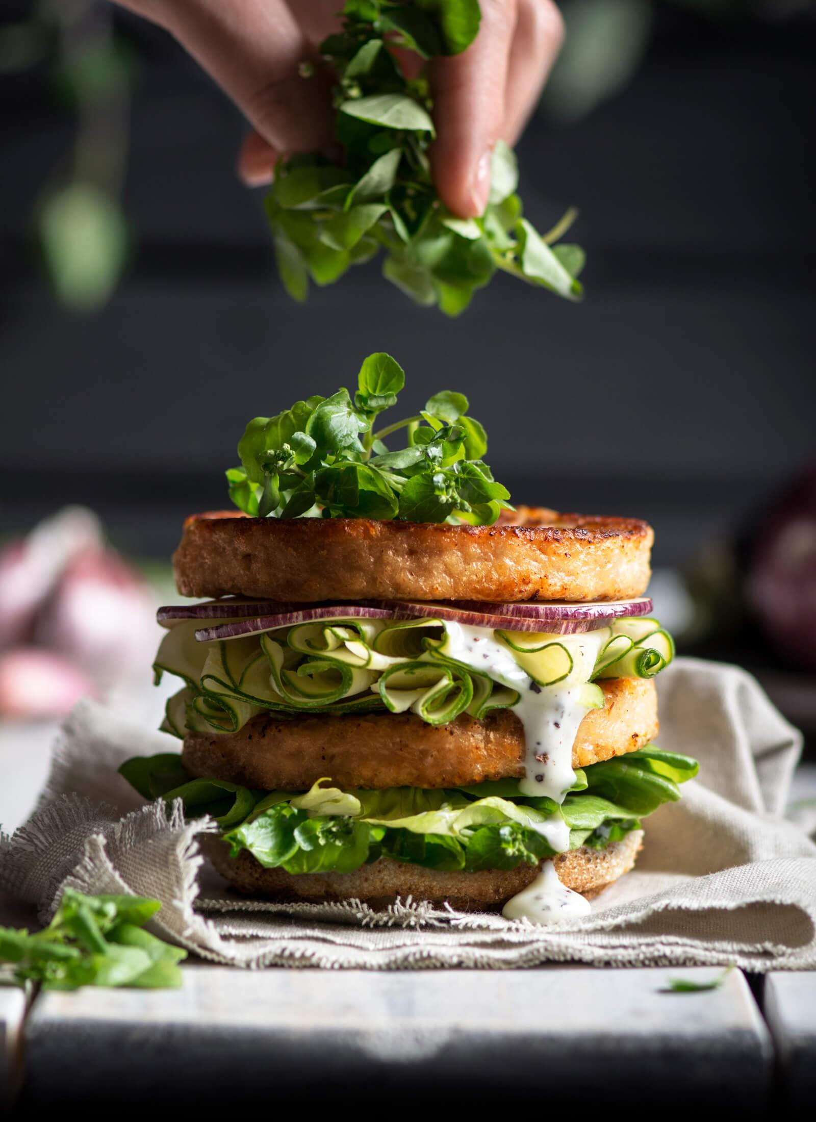 delicias-huerto-hamburguesa-la-crianza-estudio-como