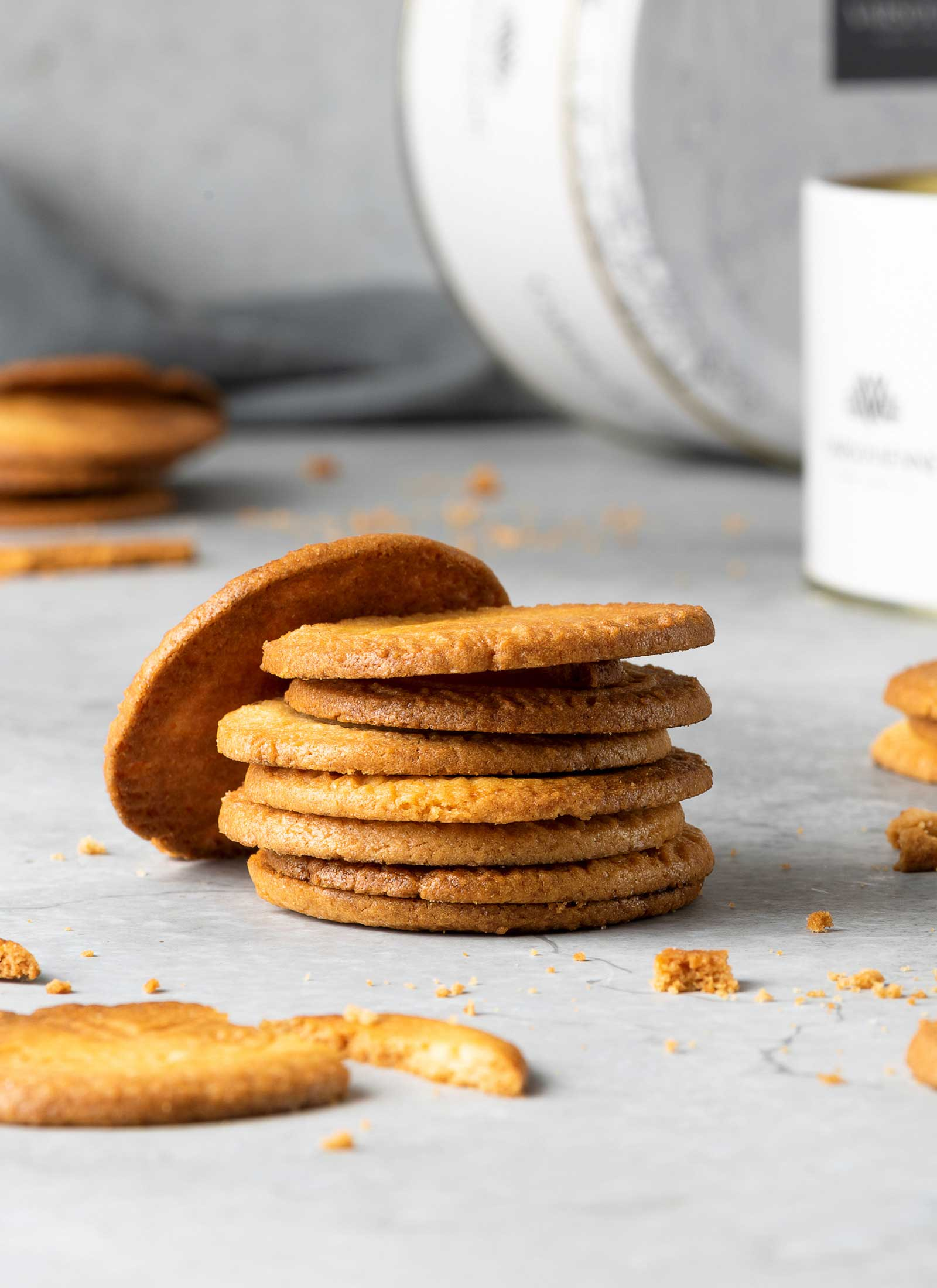 galletas-mantequilla-apiladas-varsovienne-estudio-como
